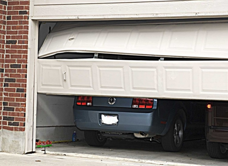 Key Problems And Considerations With Garage Door Repair